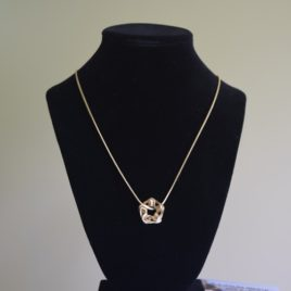Jaborosa pendant necklace